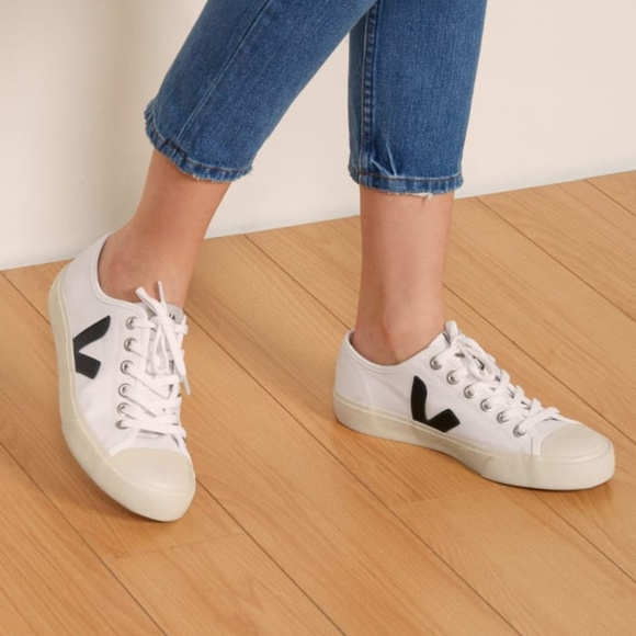 Veja Wata Canvas Sneaker White Black